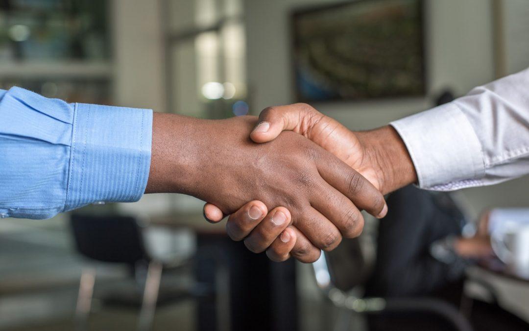 Cómo construir relaciones consistentes con los clientes